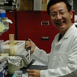 Dr. Rong Li in laboratory