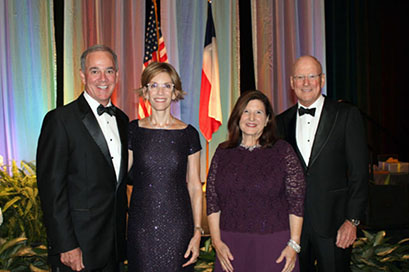 Joe and Lacie Gorder visit with Mary Henrich with President William L. Henrich, M.D., MACP