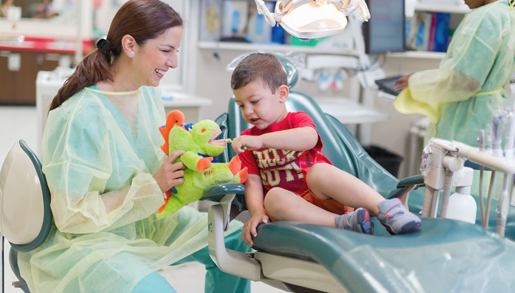 UT Medicine Health Science Center San Antonio dentist giving patient care. Find a doctor or a dentist today.