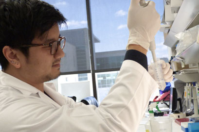Vinh Dao, an MD/PhD candidate, has been studying treatments that use immunotherapy to help fight cancer.